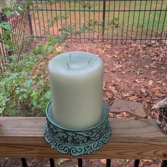 """New 8"""" x 6"""" PartyLite Colonial Candle of Cape Cod"""